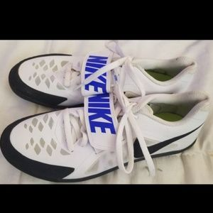 NIKE track runner shoes